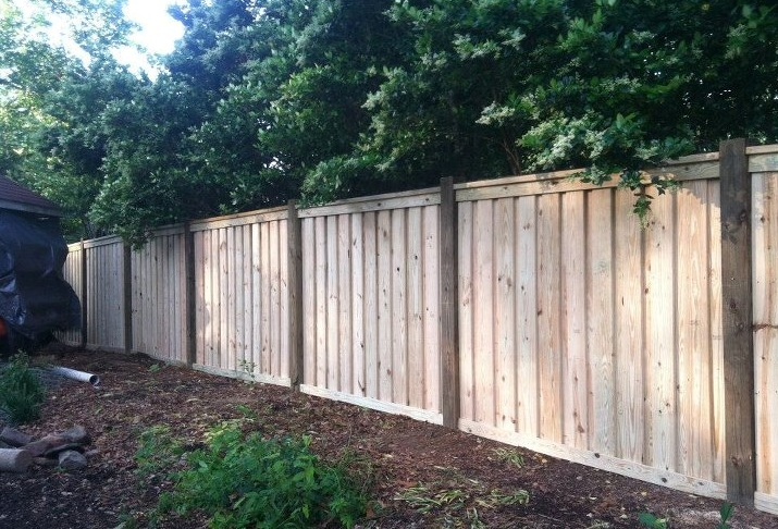 Solid 6 foot wood privacy fence in Smithfield.